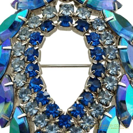 "Beautiful Sarah Coventry ""Blue Lagoon"" Brooch by D & E"