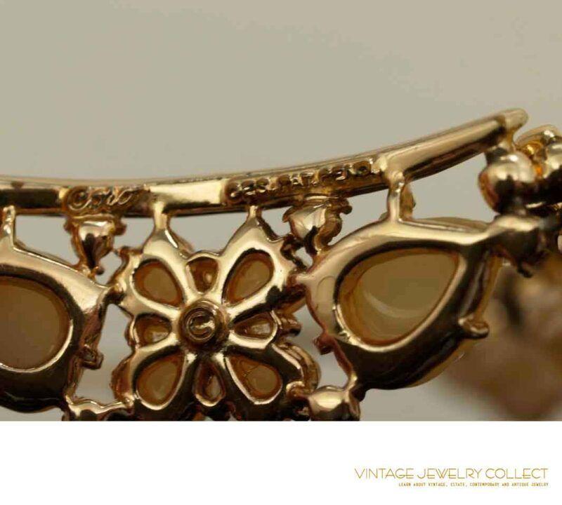 Coro Thermoplastic Necklace Acorn Clover Motif Back