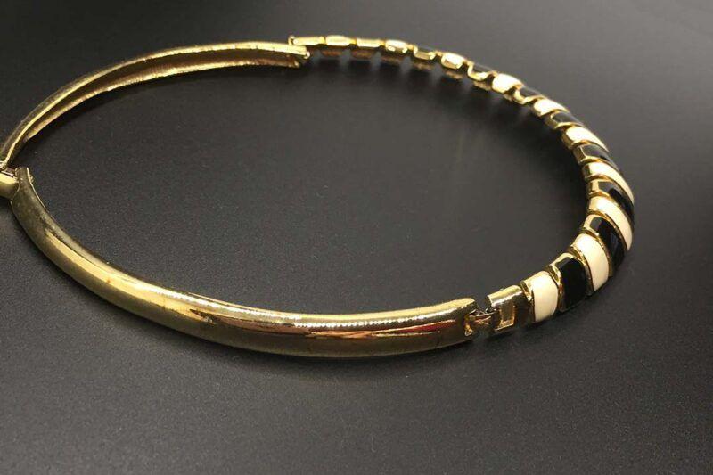 Mod Vintage c. Mid-1970s Enamel Collar Necklace